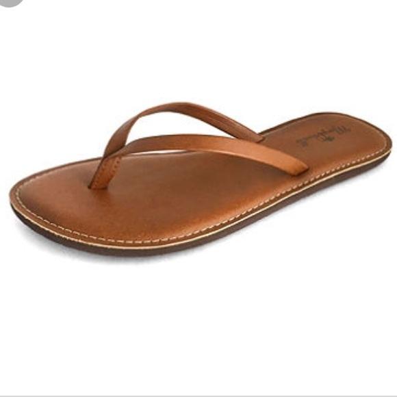 fe5f1d943d00d Margaritaville tan brown flip flop sandals! NWT!
